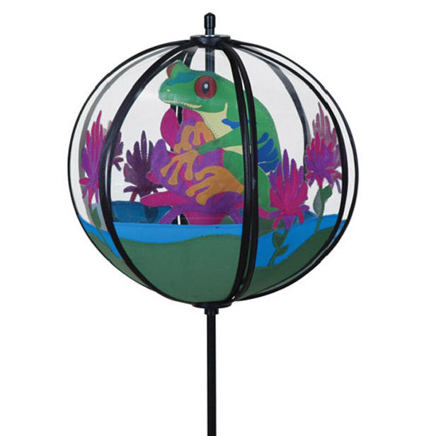 Carousel tree frog ball wind spinner premier frog for Garden spinners premier designs